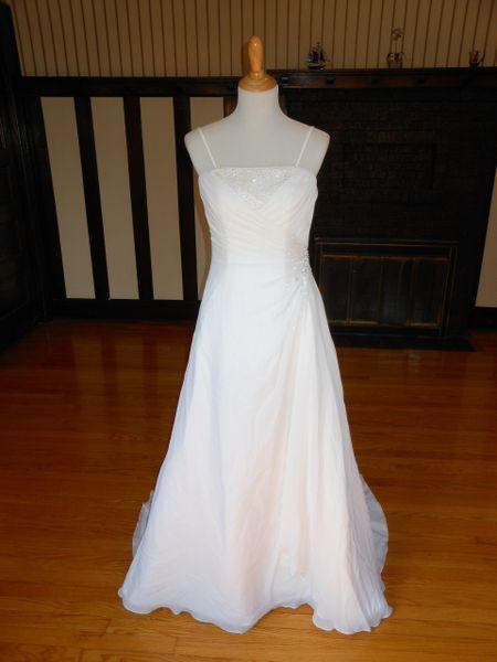 Raylia Designs Wedding Dress 90C08033