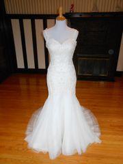 Atelier Diagonal by Pronovias Wedding Dress Sample