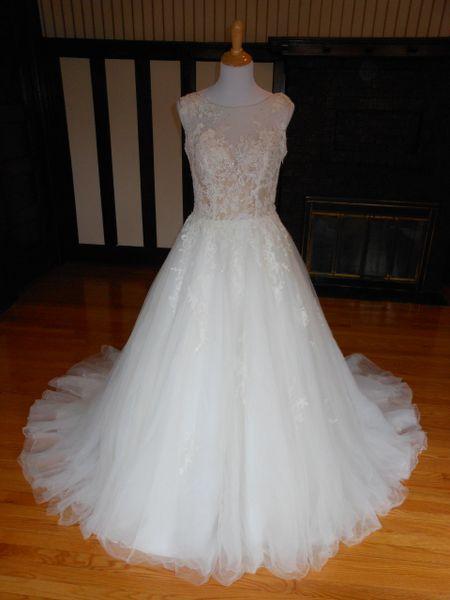 La Sposa by Pronovias Wedding Dress Perla
