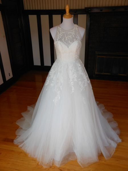 White One by Pronovias Wedding Dress Sonia