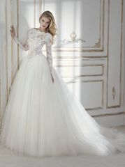 La Sposa by Pronovias Wedding Dress Perseus