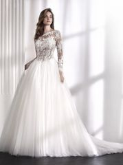San Patrick by Pronovias Wedding Dress Libia