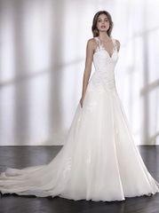 San Patrick by Pronovias Wedding Dress Limber