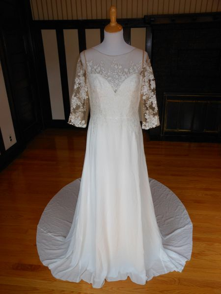 White One by Pronovias Wedding Dress Finura