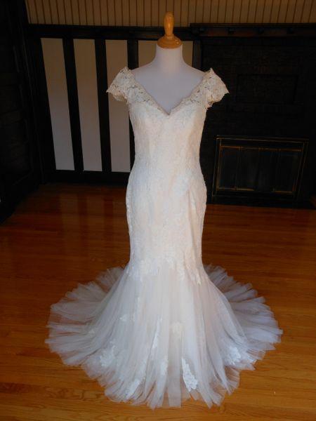 White One by Pronovias Wedding Dress Feli