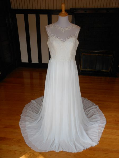 White One by Pronovias Wedding Dress Firenze