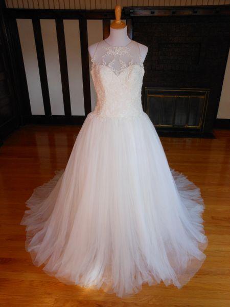 White One by Pronovias Wedding Dress Fermina