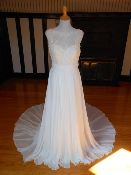 La Sposa by Pronovias Wedding Dress Paloma