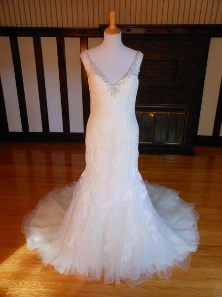 San Patrick by Pronovias Wedding Dress Zurich