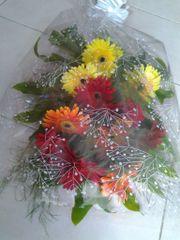 FLOWER BOUQUET WITH GEBERAS