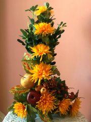 L SHAPE FLOWER ARRANGEMENT WITH FRUIT