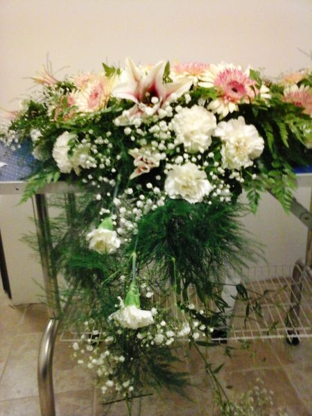 Cascade flower arrangement