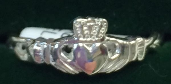 Ring - Claddagh - Petite w/ twist band Sterling - Facet #0364