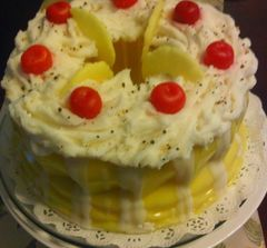 Lemon Bisque Cherry Pound Cake Candle with Cherries