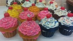 Learn to make Candle Cupcakes