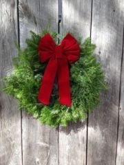 """MTA - 20"""" Plain Wreath - With Red Bow - Window size"""