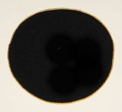 "Kippah Knit Extra Fine Black w/Gold border - Size: 6"""