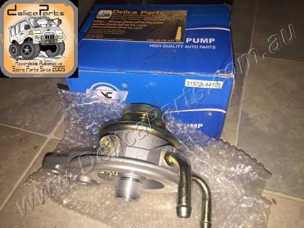 Primer Pump / Lift Pump for Diesel Fuel Filter, suit Diesel Delica with 4M40 engine.