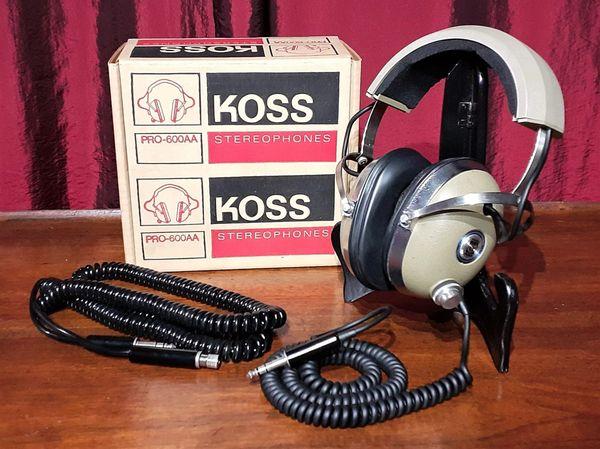 1975 KOSS PRO-600AA Stereophones Headphone Set