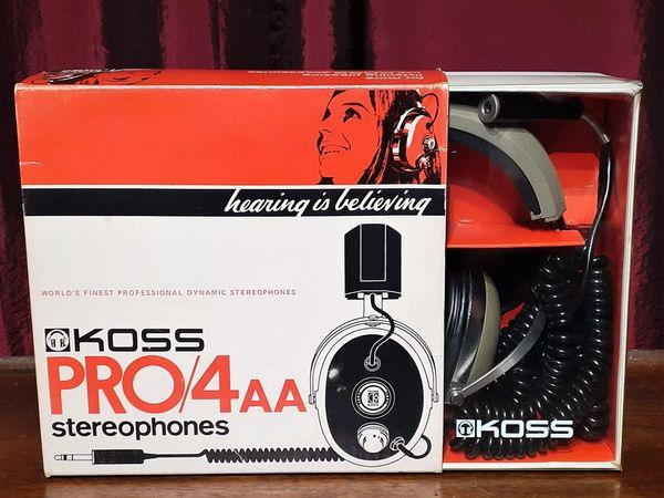 1975 KOSS PRO4AA Stereophones Headphone Set