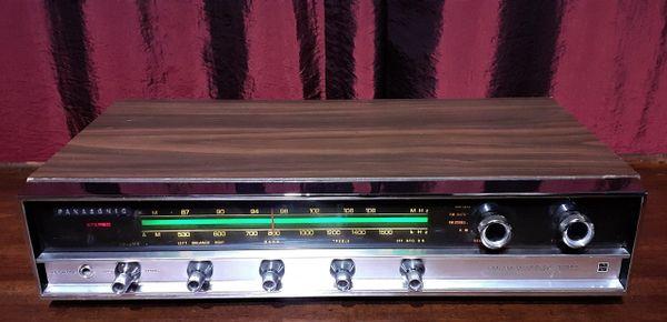 Panasonic RE-7670D AM/FM Stereo Receiver 1972 Silver Walnut