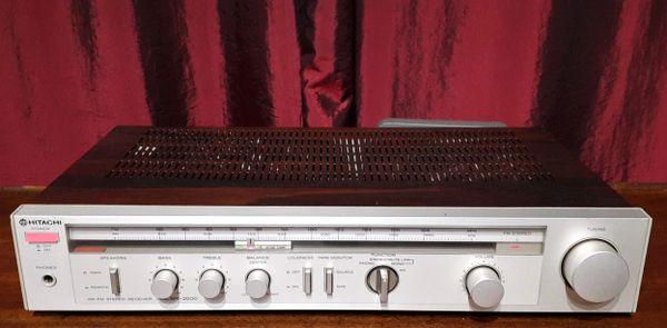 Hitachi SR-2000 AM/FM Stereo Receiver 1981 Silver Walnut