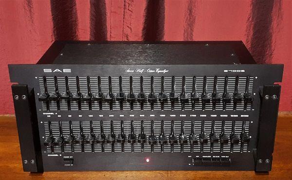 SAE 2700B EQ Stereo Half Octave Equalizer Model 2700B 1976 Black Aluminum