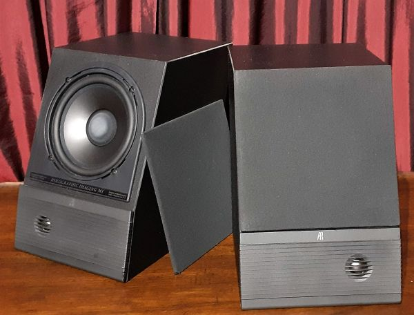 Acoustic Research AR M1 Holographic Imaging Speakers Bookshelf Speakers