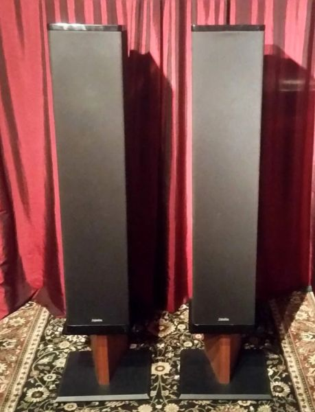 Definitive Technology BP-10 Bipolar Floor Standing Tower Speakers Local Pick Up Item Aurora IL 60503