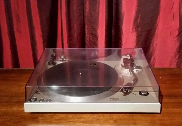 Vintage 1978 Technics SL-1401 Turntable