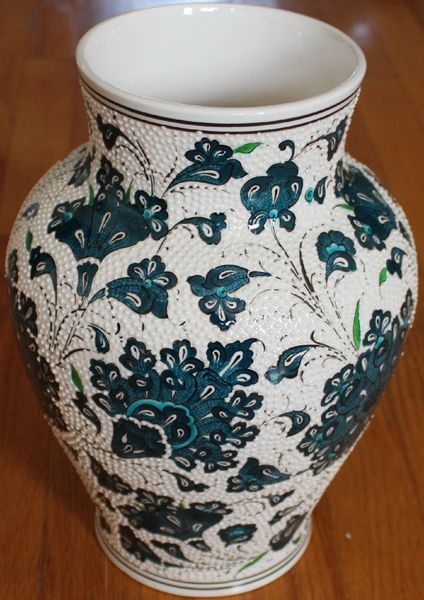 "12""x9"" Handmade Turkish Iznik Raised Green Carnation & Floral Ceramic Vase"