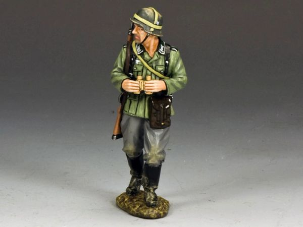 KING AND COUNTRY, WS203, 1/30, NCO WITH BINO'S (BOXED)