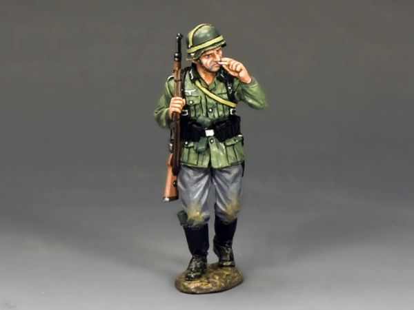 KING AND COUNTRY, WS204, 1/30, SOLDAT WITH CIGARETTE (BOXED)