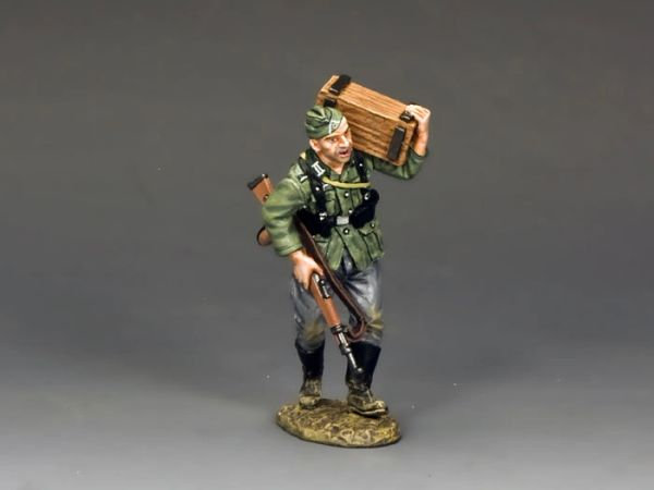 KING AND COUNTRY, WS207, 1/30, SOLDAT WITH CRATE (BOXED)