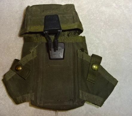 US Ammunation Pouch for AR15 and two Grenades, post Viet Nam