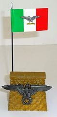 QUARTERMASTER CORP, REWST 1, 1/32 & 1/30, REVIEW STAND WITH ITALIAN FACIST FLAG (UNB0XED)