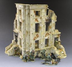 KING AND COUNTRY, SP014, 1/30, BERLIN TENIMENT HOUSE, (BOXED) additional shipping applies
