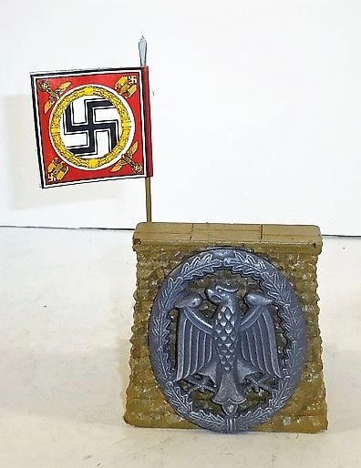 QUARTERMASTER CORP, REWST 2, 1/32 & 1/32. REVIEW STAND WITH HITLER FLAG, (UNBOXED)