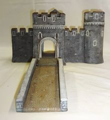 "MEDIEVAL CASTLE, 1, MAIN GATE, 28 mm to 40 mm, 13"" LG. (UNBOXED)"