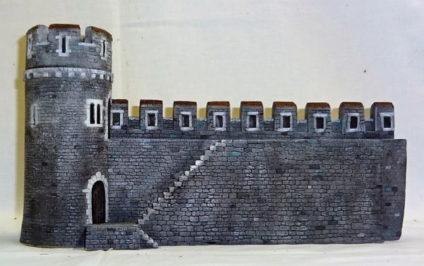 "MEDIEVAL CASTLE, 3, WALL WITHOUT INTERIOR BUILDING, 28 mm to 40 mm, 13"" long. x 4 1/2"" wide x 7 1/2"" high. (UNBOXED)"