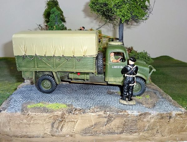 KING AND COUNTRY, FOB042, 1/30, BEDFORD OYD TRUCK (BOXED)