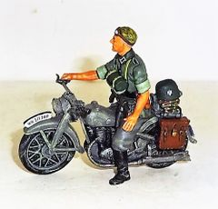 KING AND COUNTRY, WS046, MOTORSCYLE SCOUT, (BOXED)