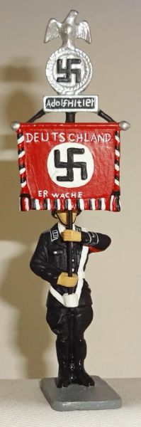 KING AND COUNTRY, LAH037, 1/30, SS STANDING WITH ADOLPH HITLER BANNER, (BOXED)