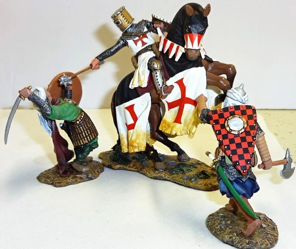 KING AND COUNTRY, MK078, MOUNTED TEMPLER vs SARACENS, (BOXED)