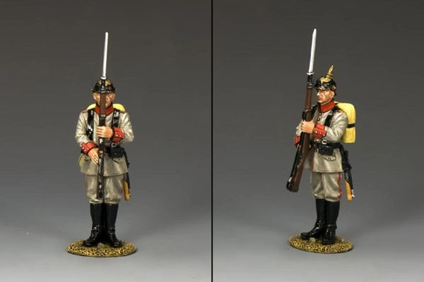 KING AND COUNTRY, FW137, 1/30, EARLY WAR GERMAN At attention , BOXED (2 remaining)