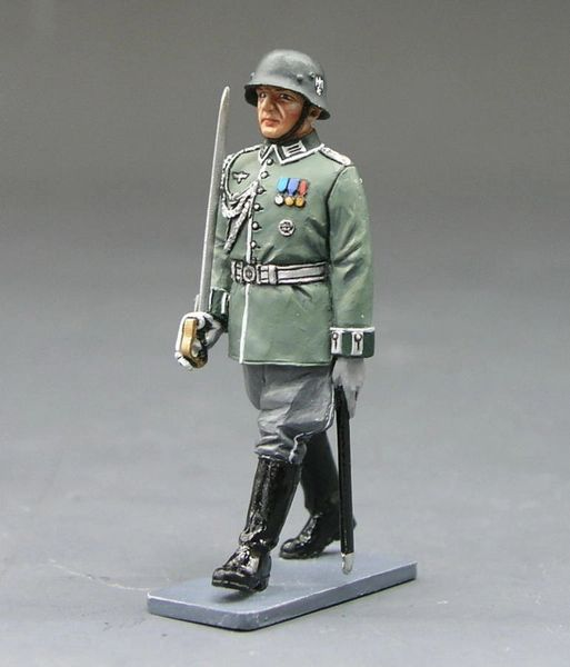 KING AND COUNTRY, LAH064, 1/30, WEHRMACHT OFFICER MARCHING, (BOXED) (3 AVAILABLE)