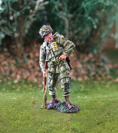 THE COLLECTORS SHOWCASE, CS00740, 1/30th, US 101st Airborne reloading
