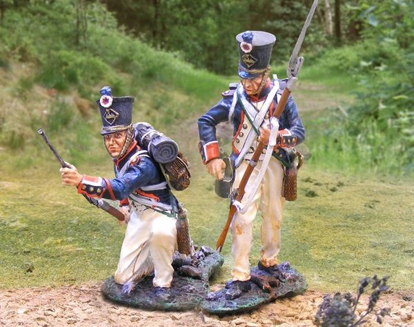 The COLLECTORS SHOWCASE, CS00663, 54mm French Line Infantry Re-loading
