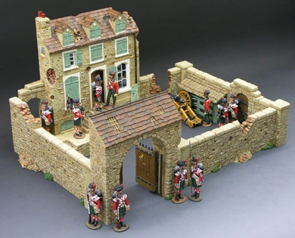 KING AND COUNTRY, 1/30, SP017 & SP018, FARM HOUSE AND COURTYARD COMBO, (BOXED) additional shipping applies