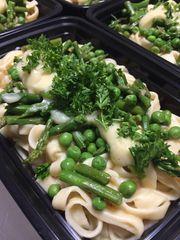 Fettucine Alfredo w. Asparagus & Peas - Serves 4-6